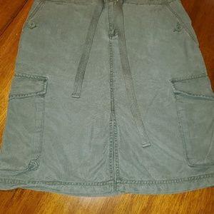 Gap, size M. Khaki green skirt.